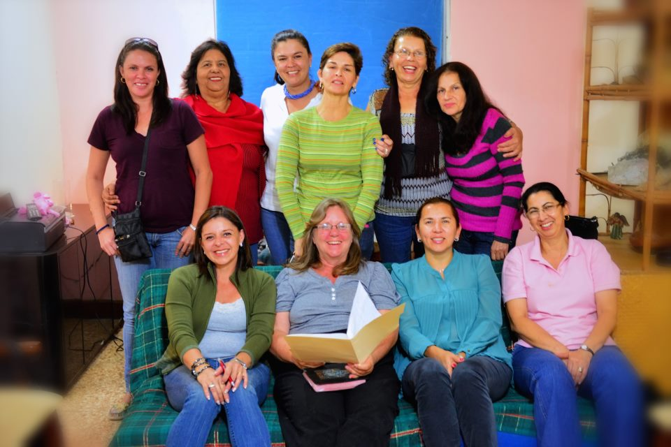 Homestay mothers with Lorena Araya Homestay Coordinator and Gail Nystrom CRHF Director
