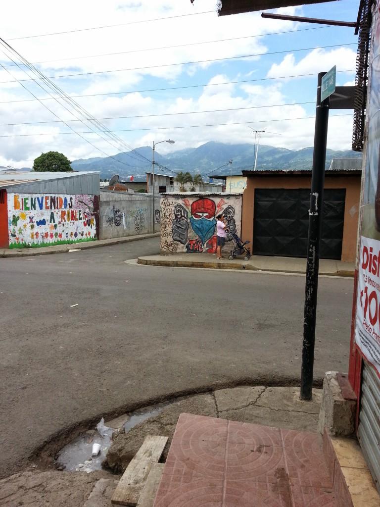 Battle of murals la carpio for Siege mural rabattable